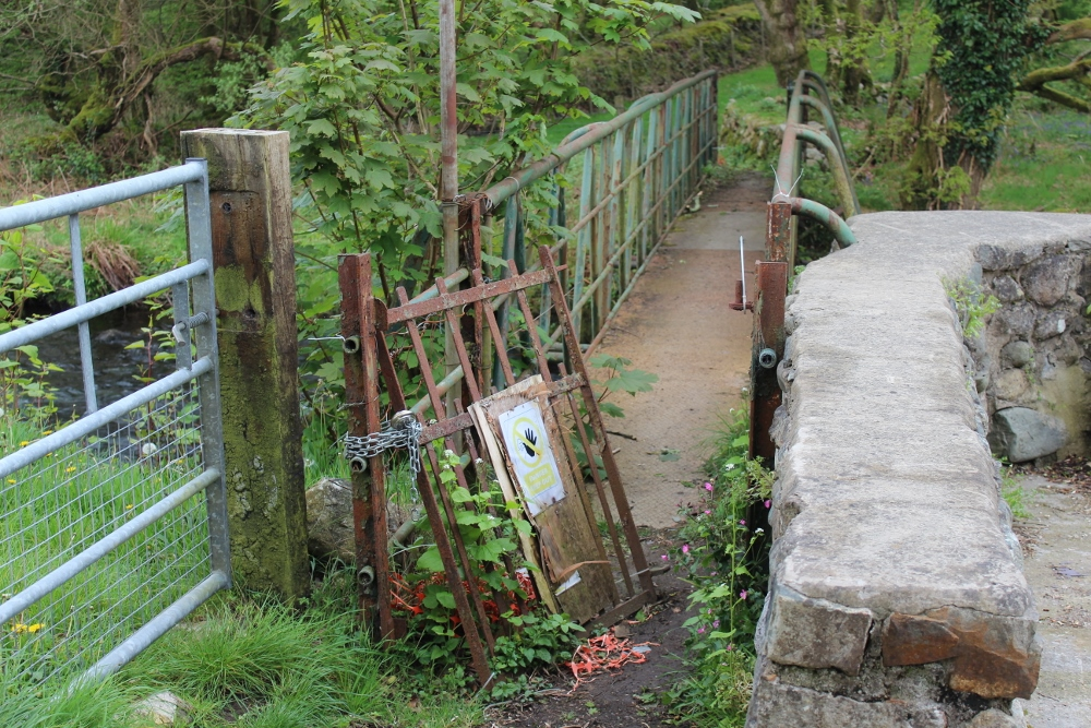 Footbridge over the Llyfni