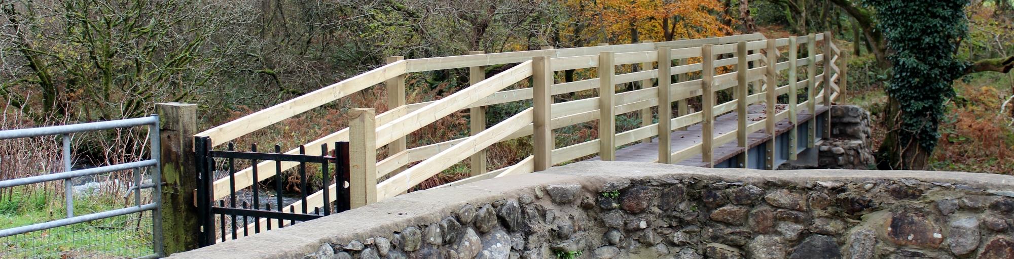footbridge over the llyfni